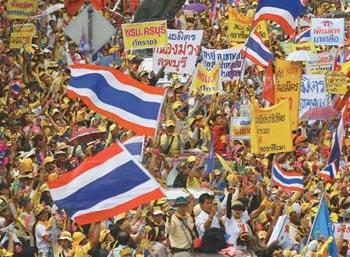 Thai protesters in Bangkok / Reuters